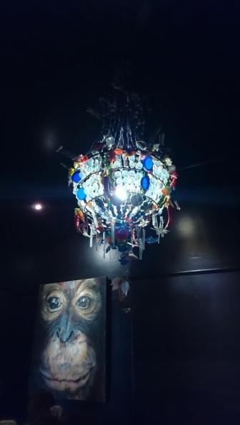 chandelier-alpine-cafe